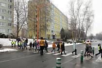 Nový Oranžový přechod v Havířově má snížit počet nehod.