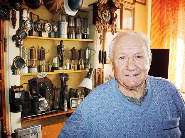 Sběratel a amatérský historik Jozef Chmiel letos v lednu zemřel. jeho sbírku odkoupí město a číst exponátů vystaví ve svém hornickém muzeu.