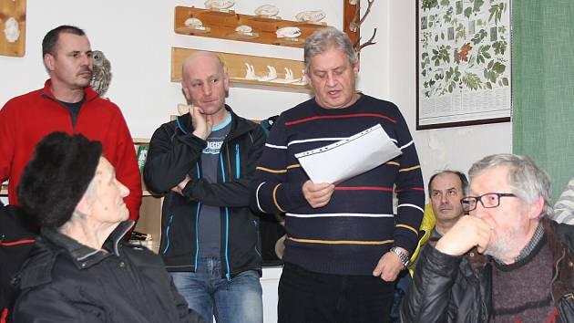 Beseda občanů Dolní Suché se zástupci města.