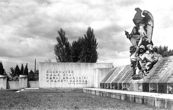 Památník vpůvodní podobě.