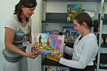 Karvinská regionální knihovna nově půjčuje deskové hry.