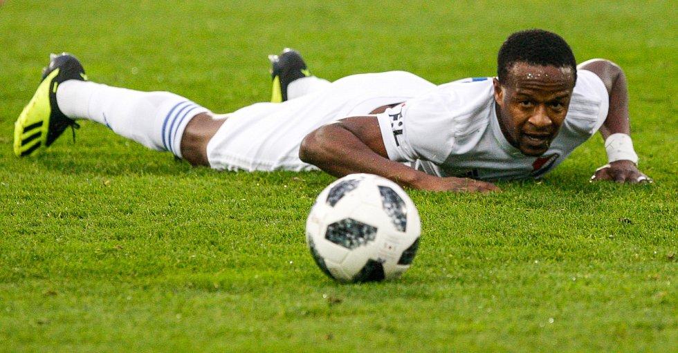 Dame Diop v nefotbalové pozici.