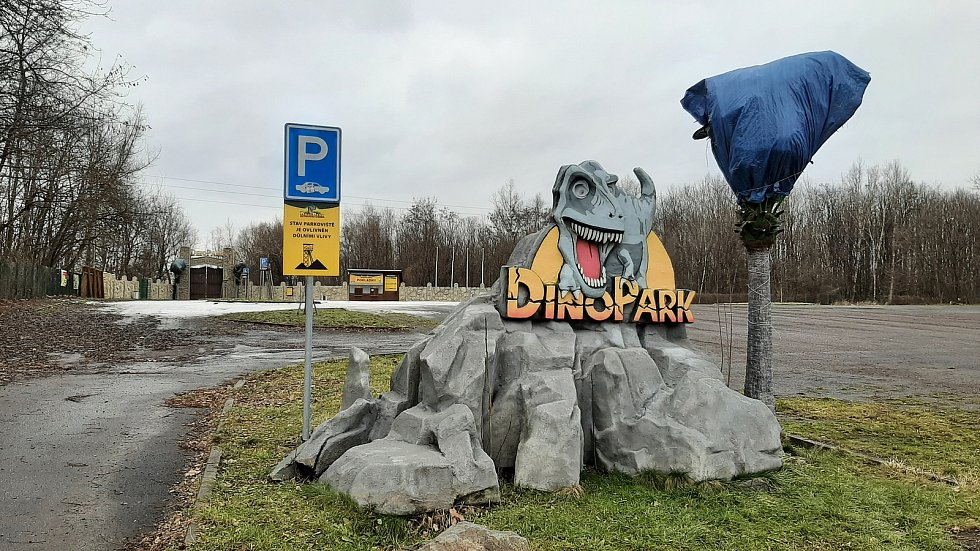 Doubrava. parkoviště před Dinoparkem