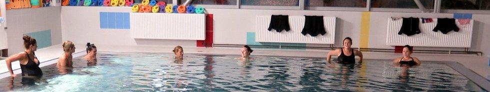 Předporodní kurzy s plaváním a aquagymnastikou.