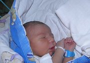 Jiří Hanusek se narodil 16. září mamince Haně Sobotkové z Karviné. Po porodu dítě vážilo 3310 g a měřilo 49 cm.