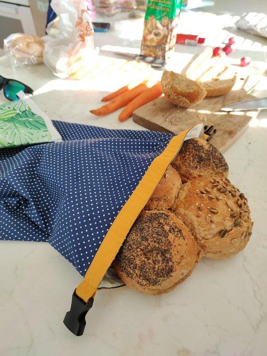Green Smile z Havířova šije znovupoužitelné sáčky i chlebokapsy