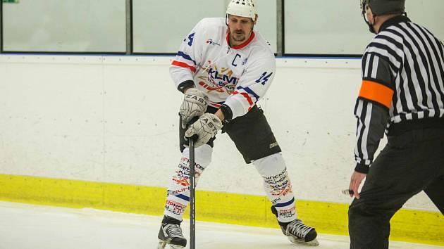 Marek Ivan je i ve svých jedenačtyřiceti letech nejlepším střelcem krajské ligy.