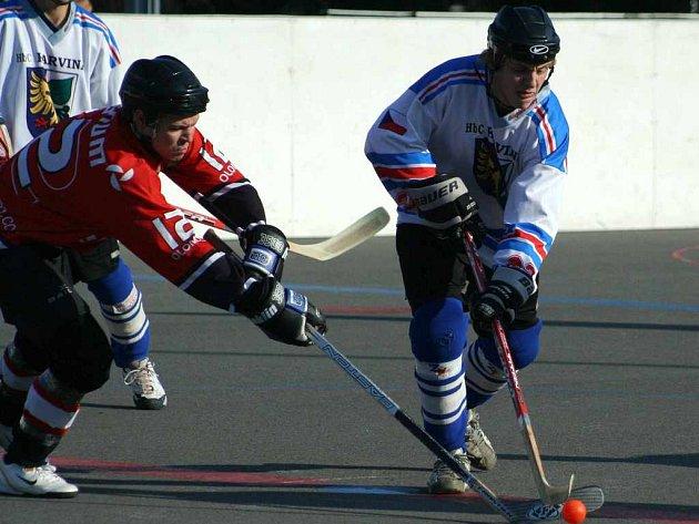 Hokejbalisté Karviné obsadili v konečné tabulce I. ligy šesté místo a v play–off změří síly s Porubou.