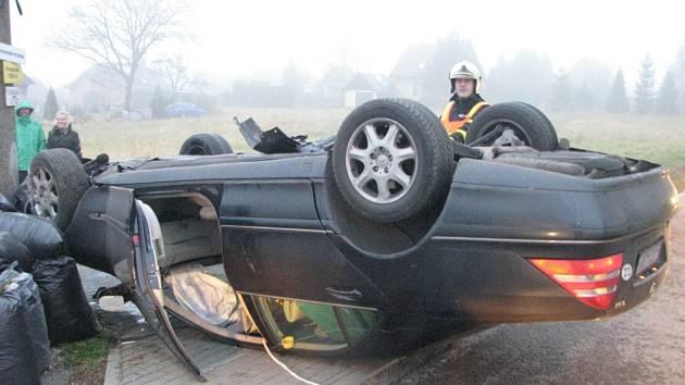 Nehoda na Formanské ulici v Dolních Datyních.