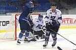 Hokejisté Havířova (v bílém) padli na ledě Kladna 1:5.