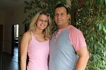Sylva a Robin Sendreiovi mají nyní stejné povolání - jsou oba řidiči kamionu. Jejich vztah ale neustálá přítomnost toho druhého spíše posiluje.