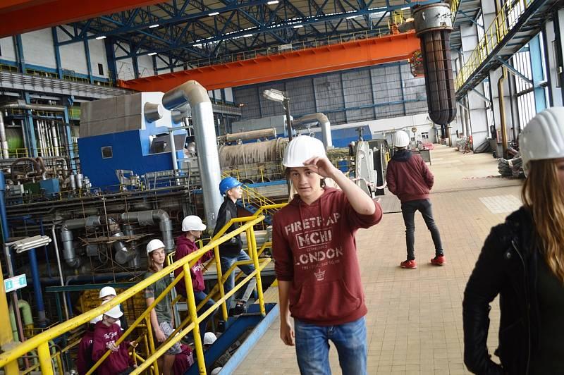 Z prohlídky provozů elektrárny v Dětmarovicích. Ilustrační snímek.