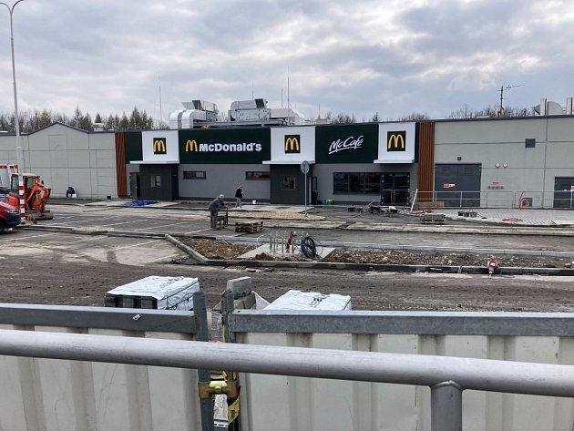 Havířovský McDonald'svýrazně pokročil kotevření.