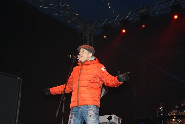 Návštěvníky havířovského vánočního městečka pobavil Vladimír Hron.