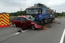 Následky tragické nehody na Ostravské ulici v Orlové.
