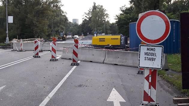 Po více než měsíci budou moc řidiči opět jezdit z Karviné na Ostravu po čtyřproudové silnici směrem k Dolu ČSA.
