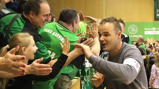 Nemanja Marjanović je mezi fanoušky Karviné velmi oblíbený. V Zubří pomohl k výhře svého týmu rozhodujícími zákroky.