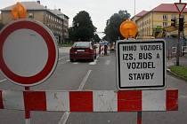 Řidičům, kteří nerespektují dopravní značení, dávali policisté pokuty.
