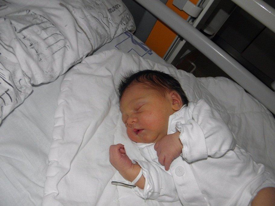 Emička Vaštíková se narodila 3. října mamince Tereze Bošanové z Karviné. Po narození miminko vážilo 3340 g a měřilo 48 cm.