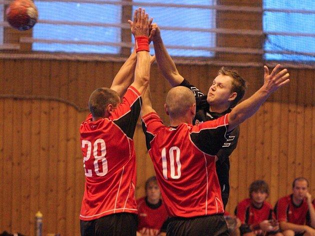 Házenkář MHK po dvou porážkách zase vyhráli.