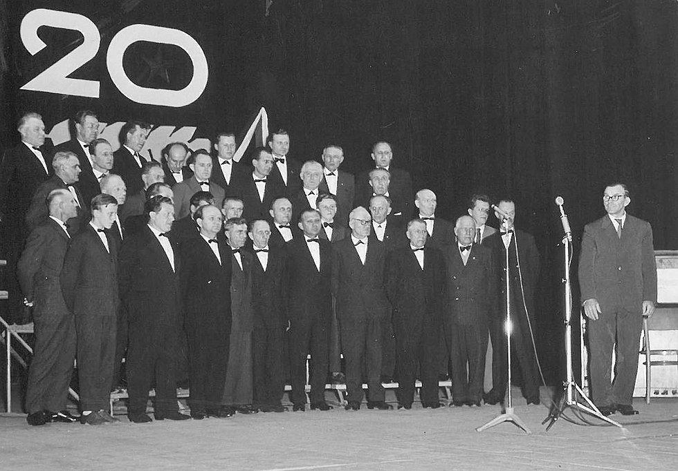 Členové MO PZKO v Karviné-Fryštátě.