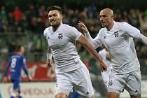 Tomáš Wágner (vlevo) bude mít v sobotu zvláštní motivaci uspět proti svému mateřskému klubu.