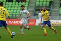 Tomáš Wágner (v bílém) by rád do konce tohoto ročníku stihl jubilejní branky.