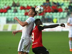 Fotbalisté Karviné si zlepšenou hrou ve druhé půli zajistili postup do osmifinále Českého poháru.