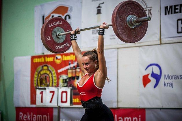 Nikola Kičmerová zHavířova sice na stupně vítězů nedosáhla, ale itak diváky zaujala, zvláště mužskou část publika.