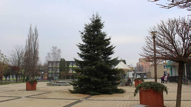 Vánoční strom v Havířově-Podlesí na Terase.