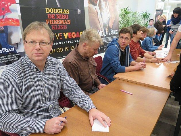 Setkání herců a tvůrců filmu Vejška s diváky v havířovském kině Centrum.