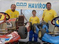 Část havířovského MD Racing teamu. Zleva Pavel Hochman, Dominik Fusek a Martin Fusek.