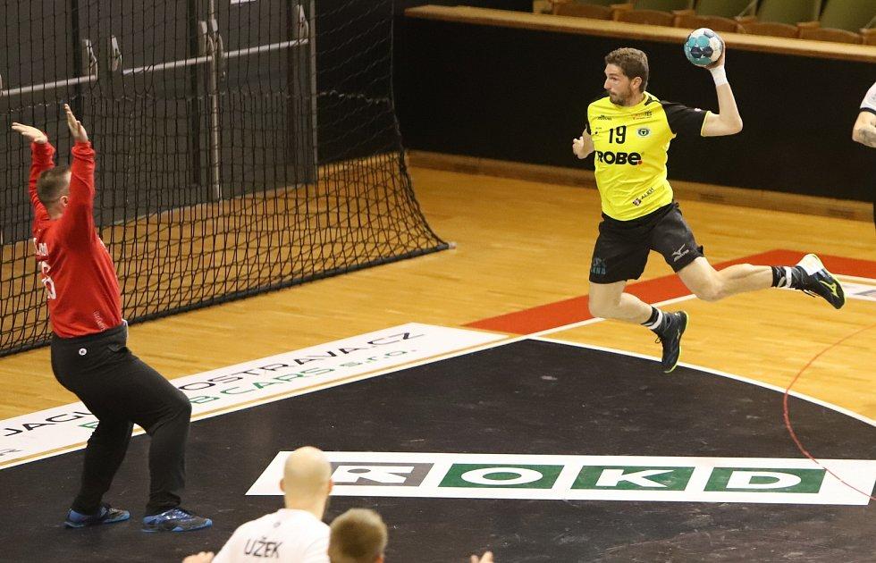 Dramatické druhé čtvrtfinále mezi Karvinou a Zubřím (ve žlutém) dopadlo lépe pro Valachy.