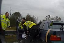Pronásledování a zadržení nebezpečného řidiče.