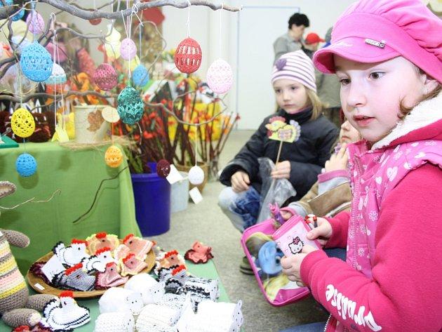 Velikonoční výstava v orlovském domě kultury.