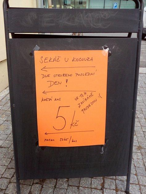 Poslední den karvinského second handu. Kvůli EET na Karvinsku zavřelo hned několik obchodů.