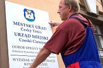 Podobně jako v Česku bude možná už brzy i na druhé straně Olše dvojjazyčné označení budov.