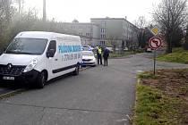 Ke střetu došlo v křižovatce Školní a Učňovské ulice.