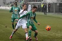 Jan Moravec (v bílém) se proti svému bývalému klubu vytáhl.