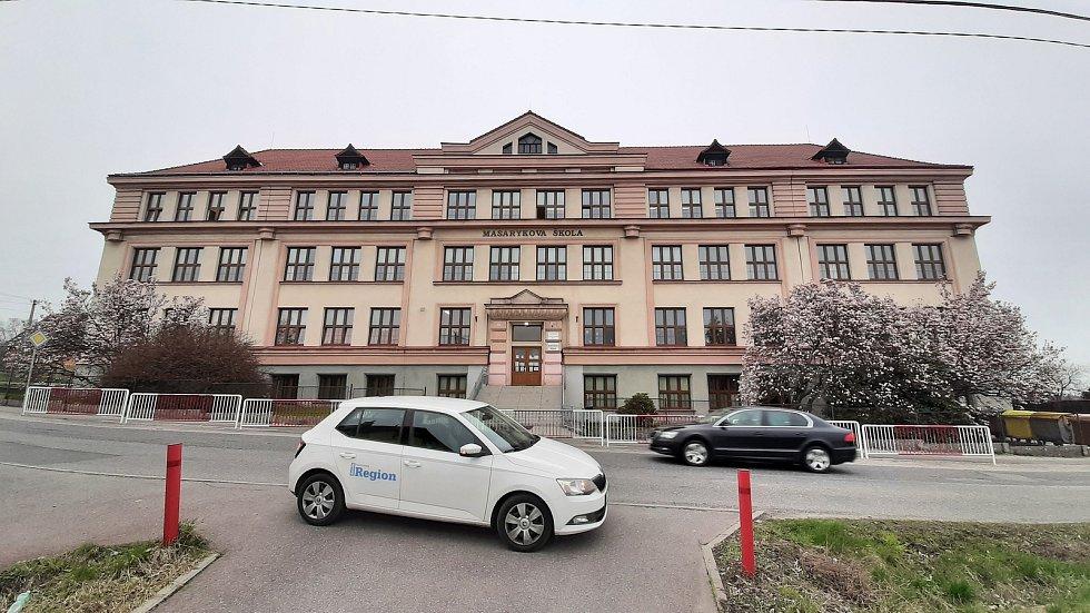 Petřvald. Stará škola a ZUŠ.