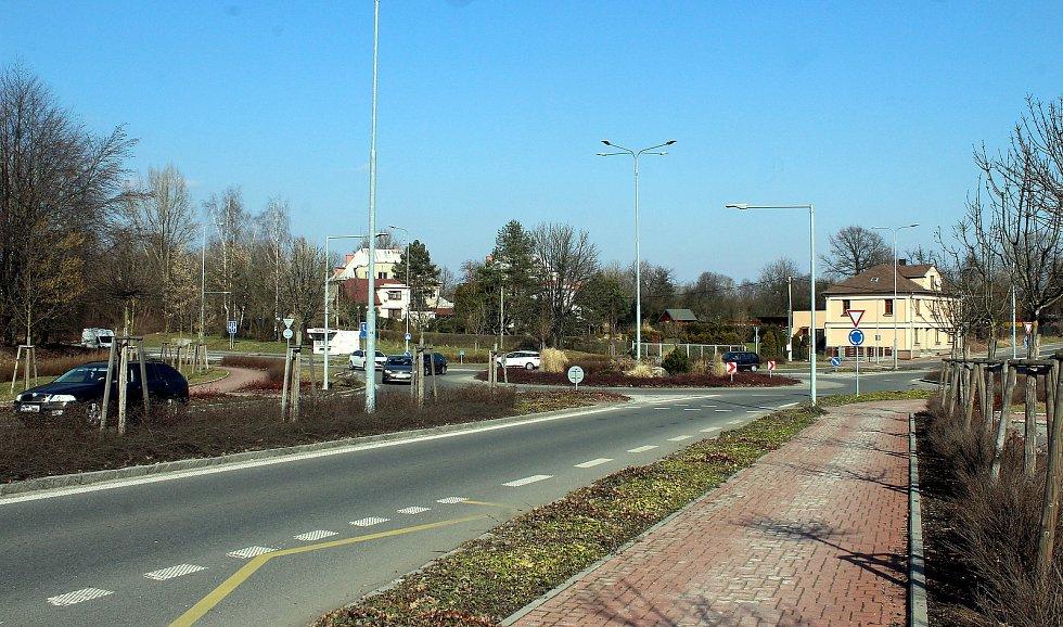 Horní Suchá. Kruhové objezdy v centru obce.