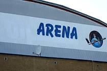 Z názvu zimního stadionu v Orlové už zmizel starý název sponzora, ale i tak bojují místní hokejisté o návrat do druhé ligy.