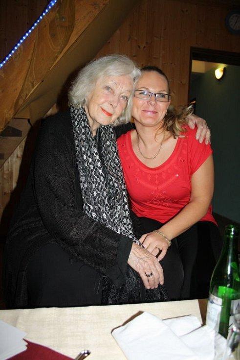 Květa Fialová, jedna z největších hvězd českého herectví, vystoupila v pátek 21. února v Rybím domě v Chotěbuzi v rámci vzpomínkového programu na Waldemara Matušku.