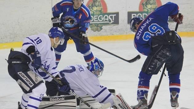 Hokejisté Orlové znovu prohráli a nezbývá jim, než se rvát dál.