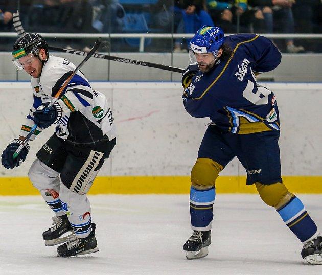 Jaromír Jágr se po roce objevil na mistrovském ledě. Se svým Kladnem vyhrál vHavířově.