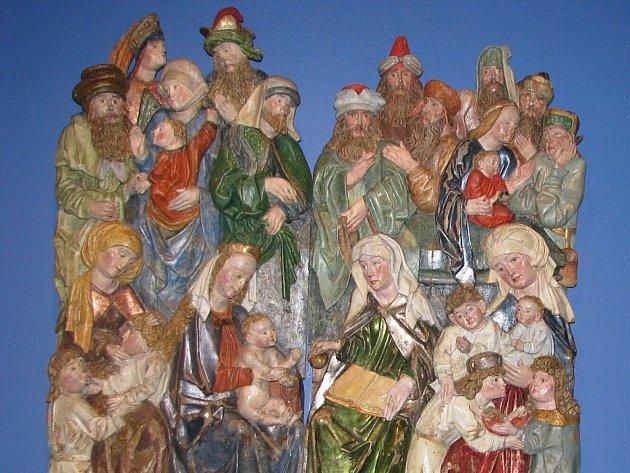 Restaurovaná dřevěná plastika z dílny Jakuba Beinharta. Reliéf původně pochází ze starého kostela ve Stonavě.