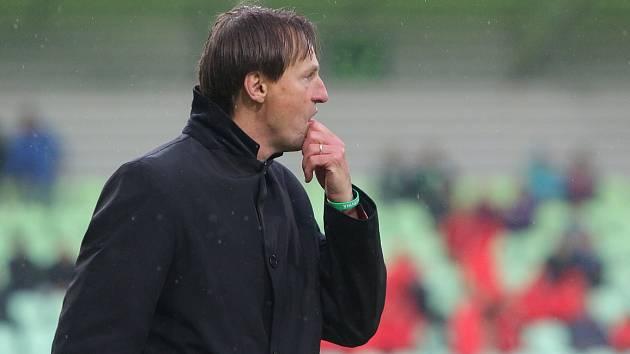 Trenér Karviné František Straka.