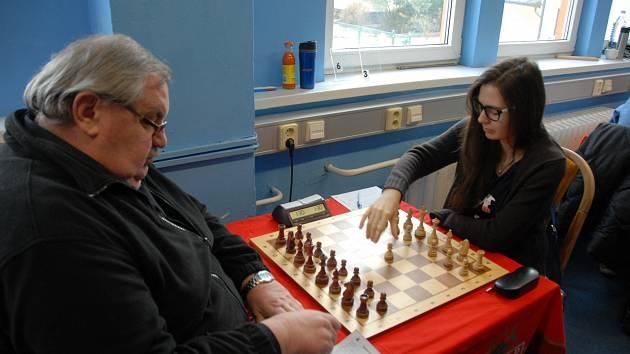 Polská šachistka Anna Kubicka v karvinských službách přispěla k výhře svého týmu.
