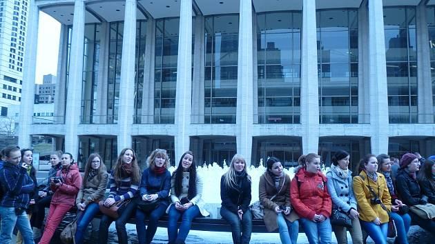 Zpěvačky z koncertního sboru Permoník v New Yorku.
