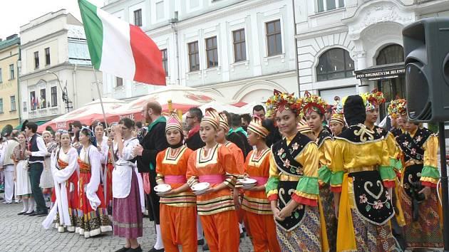 V Těšíně se představily folklorní soubory z celého světa.